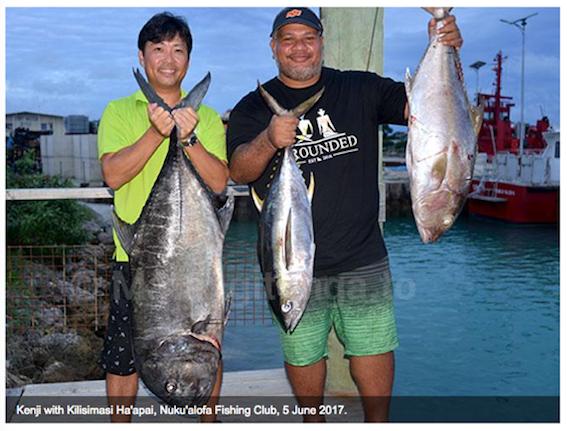 KayakfishingTonga.png